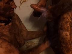 Amateur Scat Sex in der Badewanne