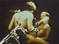 Pissen im Vintage Gayporno
