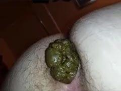 Fette Scheiße aus wuscheligem Arschloch