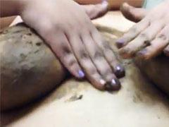 Extreme Titten Massage mit Kaviar