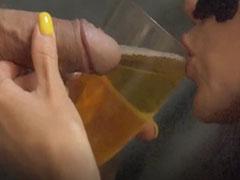 Natursekt trinken direkt aus dem Zapfhahn
